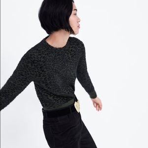 ✨nwot✨ zara soft animal print sweater